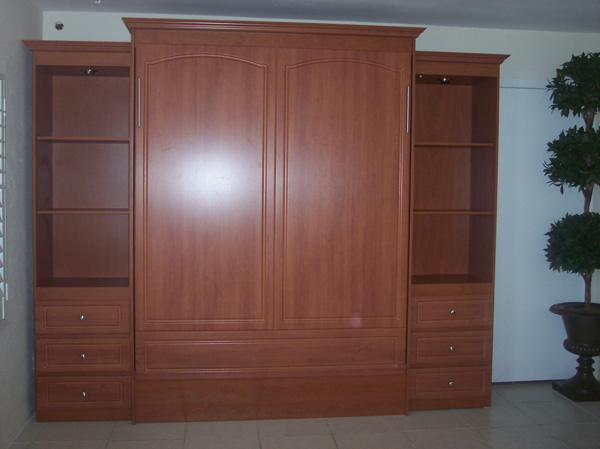 cama murphy bed with thermofoil and crown molding